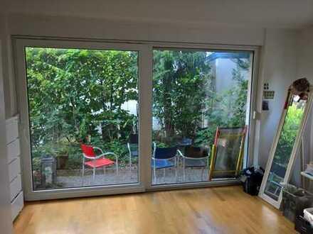 Sehr helle schöne 3 ZiWhng mit Terrasse und Balkon