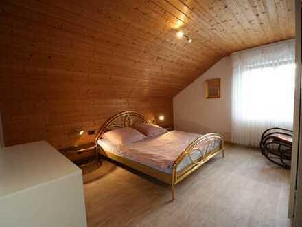 Dachgeschoßwohnung - möbiliert und neu renoviert - sofort bezugsfertig