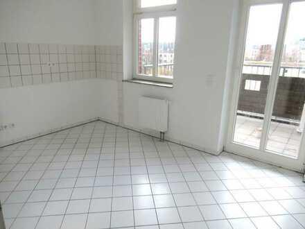 ** 4 Zimmer Wohnung mit Balkon und Kamin in Zwickau zu vermieten**
