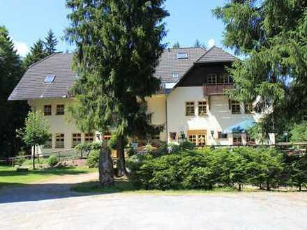 gut gehendes Berghotel mit Biergarten - Schulungszentrum - Wohnen