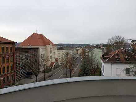 !! 1 MONAT KALTMIETFREI !! Rießige 4 Zimmer Wohnung mit 2 Balkonen & Parkett !!