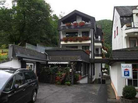 172qm große Wohneinheit - Aufteilung in 2 Wohnung und 1 Appartment.