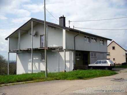 ** Zweifamilienhaus mit 290m² Wohnfläche auf 2.000m² großem Grundstück günstig zu erwerben **