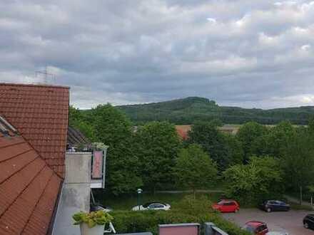 Sonnige 3-Raum-DG-Wohnung mit EBK und Balkon in Hameln