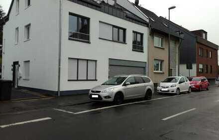 Schöne, helle, geräumige drei Zimmer Wohnung in Köln, Rath