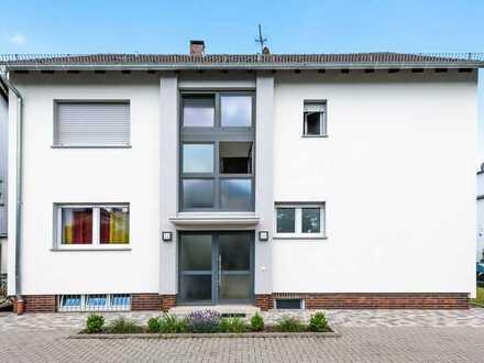 Mühlheim: Schöne 2 Zimmer-Dachgeschoss-Wohnung mit Balkon in kleiner Wohneinheit und ruhiger Lage