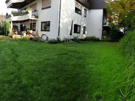 4-Zimmer-Wohnung mit Terrasse, Garten und Einbauküche in Reutlingen