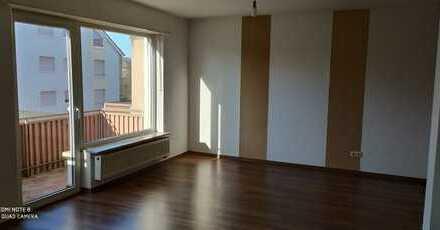 Gepflegte 3-Zimmer-Wohnung mit Balkon in Landau