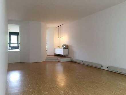 REMAX - Früheres Fotostudio zu vermieten in Weinstadt-Strümpfelbach