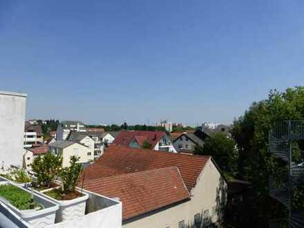Dachwohnung in perfekter Stadtlage von Eschborn! Mit EBK und Dachterrasse!