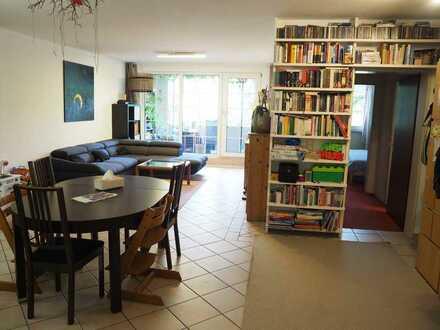 Gepflegte 4-Zimmer-Wohnung mit Balkon und EBK (kann übernommen werden) in Köln-Raderberg