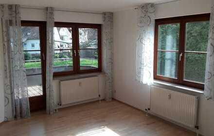 Schöne 3 Zimmer Wohnung in Walheim mit EBK, Balkon, Keller, Garage und Stellplatz