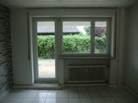 Sonnige modernisierte Wohnung mit vier Zimmern sowie Terrasse und EBK in Beilstein