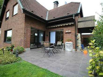Freistehendes, hochwertiges EFH/ZFH mit sehr viel Platz, Garten u. Garagen im ruhigen Do-Westrich