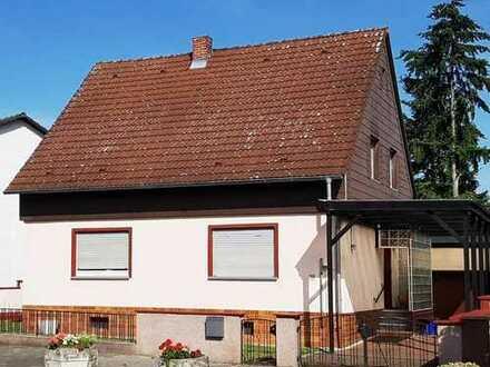 Tolles, gemütliches 1-2 Familienhaus mit Wintergarten! Mit viel Platz und viel Potential!