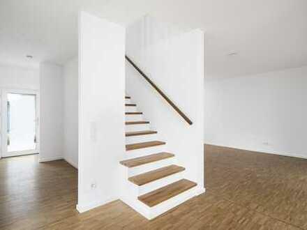 Moderne 5-Zimmer-Maisonette-Wohnung mit Garten