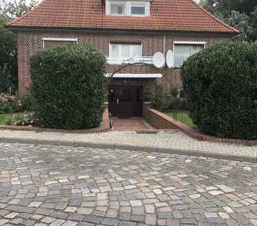 Einfamilienhaus mit Anbau - zur Zeit Vermietet - plus Doppelgarage