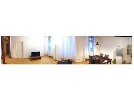 Schöne möblierte Altbau-Wohnung nahe Uniplatz kurzfristig verfügbar