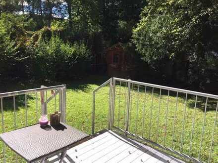 Rarität zur Untermiete: Hübsche 2-Zimmer-EG Wohnung mit riesigem Garten in Harlaching