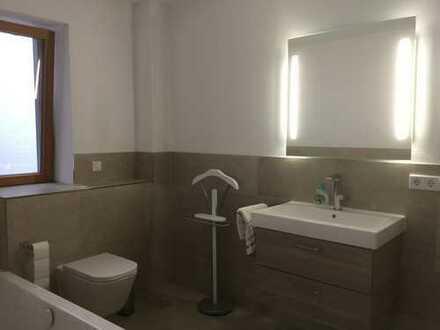 Erstbezug nach Sanierung: exklusive 3-Zimmer-Wohnung mit EBK und Balkon in Schrobenhausen