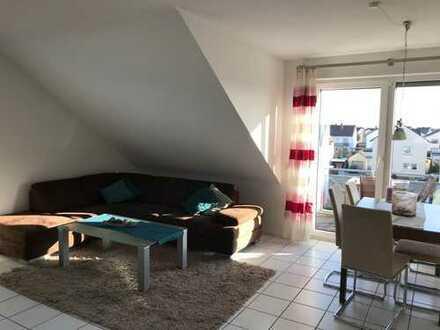 Gepflegte 3-Zimmer-Dachgeschosswohnung mit Balkon und Einbauküche in Herxheim