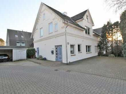 Attraktives Zweifamilienhaus bzw. Wohn-/Geschäftshaus in zentraler Lage Bargteheides
