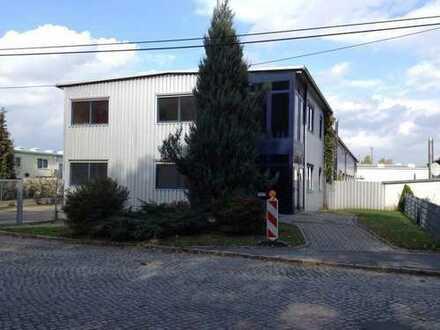 Halle-,Lager- u. Bürogeb. m. Soz.-Räum.,Hofflä,Ausbaures., abgeschl. Objekt a. 1800+700 m2 Grundst.