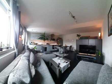 Neuwertige 2,5-Raum-Wohnung mit Balkon in Homburg