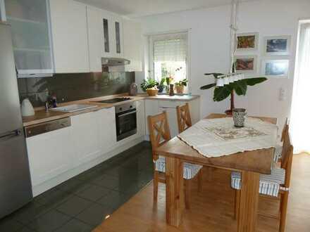 Gepflegte 2-Raum-Wohnung mit Balkon und Einbauküche in Laudenbach