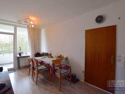 Lichtdurchflutete und gut geschnittene 2-Zimmer-Wohnung mit Balkon in Schwalbach !
