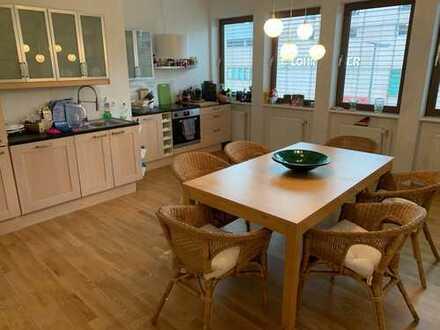 950 €, 120 m², 3 Zimmer