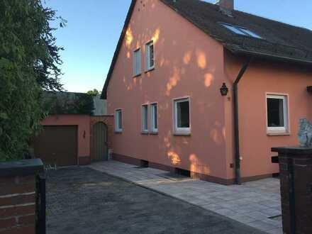 RESERVIERT Schönes Haus mit sechs Zimmern in Schwabach, Limbach