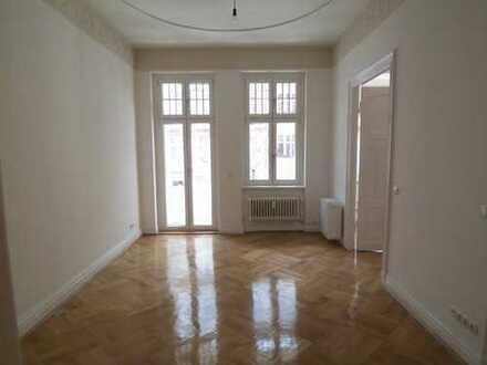 4 Zimmer Wohnung mit Balkon in Charlottenburg