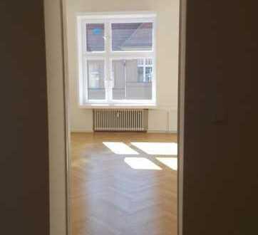 Well-lit apartment in Berlin-Schmargendorf