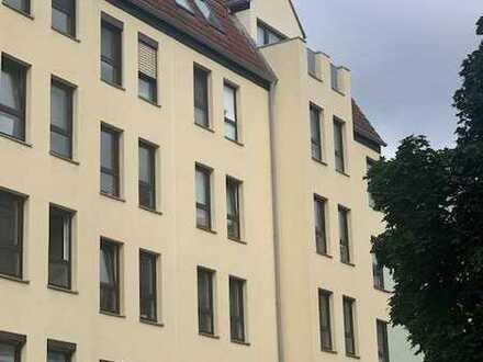 Zentral und ruhig ... 2 Zimmer- Wohnung mit TG- Stellplatz ...