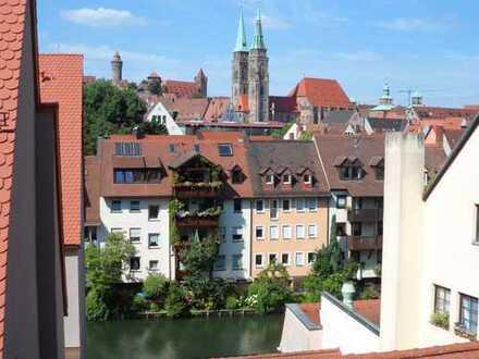 Nürnberg Altstadt: traumhafte 4-Zimmer Dachgeschosswohnung mit Blick zur Kaiserburg