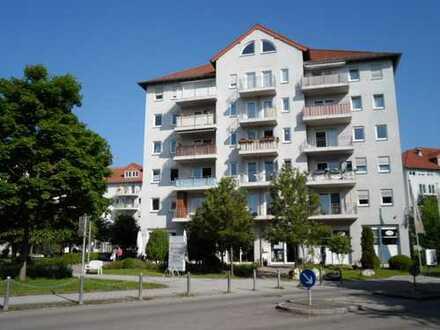 Seniorenresidenz Friedrichsau: Seltene 3 Zimmer Wohnung mit Südbalkon