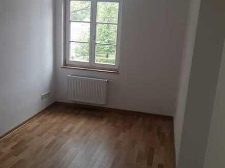 Stilvolle, vollständig renovierte 3-Zimmer-Wohnung mit Balkon und EBK in Potsdam