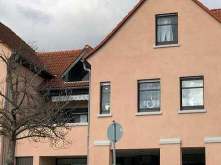 Große Wohnung im Zentrum von Herxheim