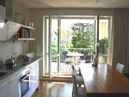 Exklusive, vollständig renovierte 2,5-Zimmer-Wohnung mit Balkon in Dresden-Bühlau