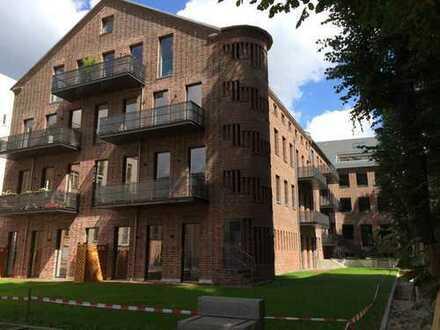 Attraktive 2-Zimmer-Wohnung mit 2 Balkonen und Blick auf die Spree sucht Nachmieter