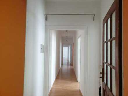 Gepflegte 3-Raum-Wohnung mit Einbauküche in Bonn