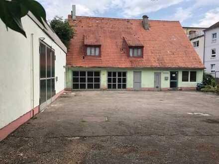 Sanierungsobjekt - Halle mit Haus und Freifläche