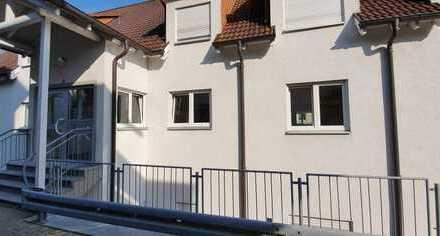 Vollständig renovierte 2-Zimmer-Wohnung mit Wintergarten und EBK in Oberndorf