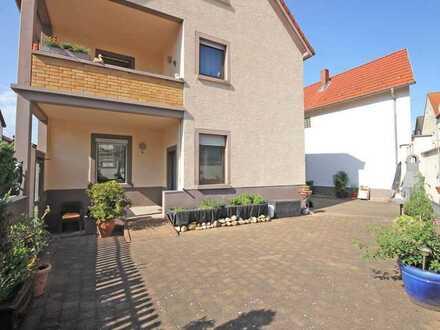 Großzügiges und ruhiges Einfamilienhaus mit mind. fünf Zimmern und Einbauküche in Hechtsheim, Mainz