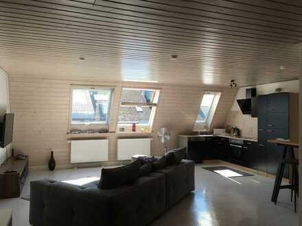 SCHÖNE und HELLE 2-Zimmer-DG-Wohnung, Höhenlage KA-Grünwettersbach