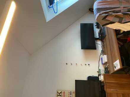 Helles 16qm Zimmer in 2er Mädels-WG