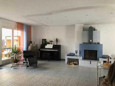 Gepflegte 5-Raum-Wohnung mit Balkon und Einbauküche in Bruchsal