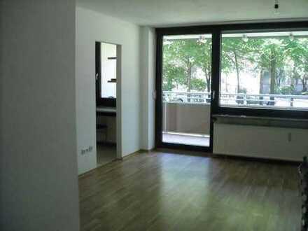 Sonniges Apartment im Hochparterre mit großem Balkon in Audinähe