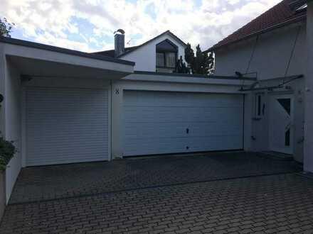 Gepflegte Doppelhaushälfte mit fünf Zimmern und Einbauküche in Heimsheim